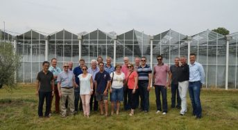 植物工場のオランダ環境制御メーカーが施設園芸農業研修ツアーを実施