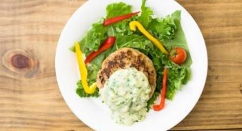 Oisixの水耕栽培ケールを使った「かがやケールのハンバーグ定食」タニタ食堂で期間限定による提供
