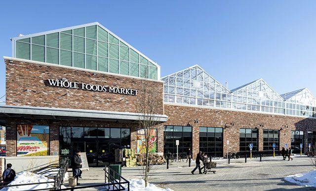 アマゾン、植物工場の販売先・小売企業「ホールフーズ」を137億ドルにて買収