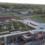 カナダ初、小売店舗と屋上ファームが融合。グリーンビルディング認証も取得