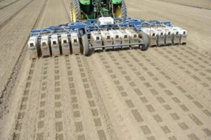 世界最大の農機メーカーDeere社、AI・機械学習による自動ロボット・ベンチャーを3億ドルで買収