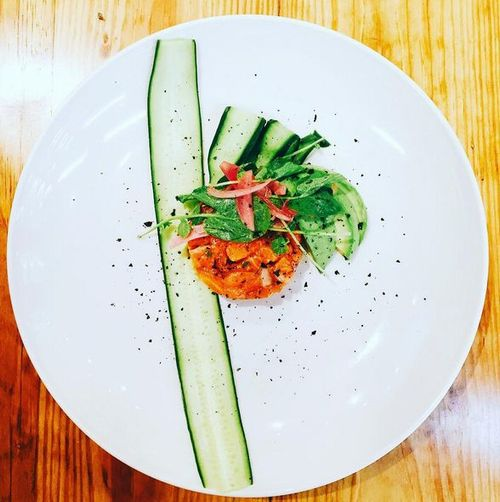 健康・環境志向の消費者ニーズを受け、店産店消型・植物工場レストランが米国にて急増