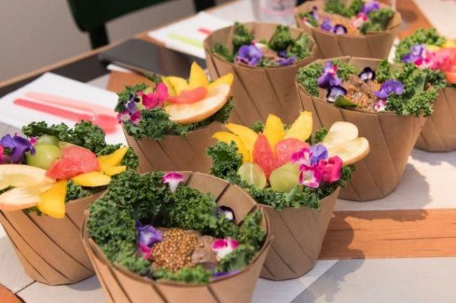 ハワイで人気のサラダ専門店「アロハサラダ」が1号店を原宿にオープン。アクアポニクス野菜も採用