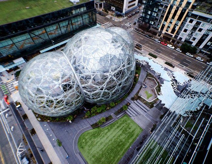 アマゾンの新本社ビル、ドーム型・ハイテク温室「Spheres」が完成
