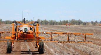 オーストラリア「SwarmFarm」自動の無人小型トラクターの商業生産を開始