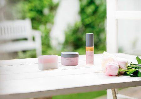ローズラボ、完全無農薬・水耕栽培バラによる化粧品・コスメ商品を販売