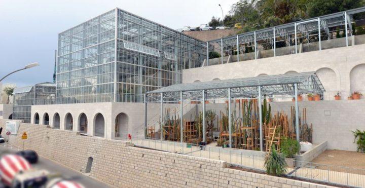 フランスのグリーンシティー化。タワー型植物工場による都市型農業プロジェクト
