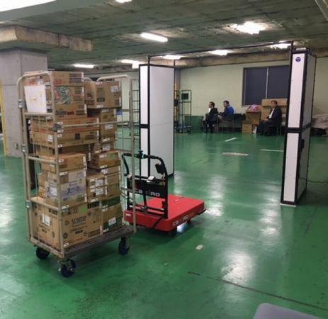 凸版印刷とZMPによる無人物流支援ロボット、物流センター内の棚卸・検品における省人化を確認
