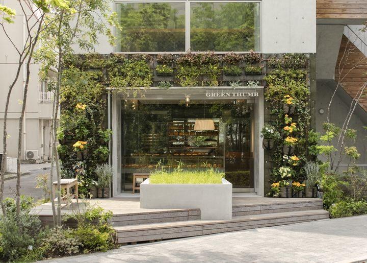 近未来的都市型ベーカリー『GREEN THUMB(グリーンサム)』がオープン、店前には麦畑も