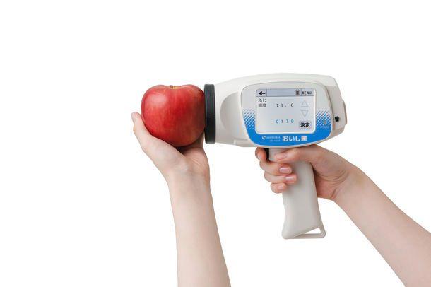 0.5秒で果物の糖度・熟度・酸度を測定。非破壊測定器「おいし果」の公式サイトが全面リニューアル