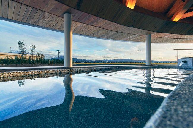 田んぼに浮かぶホテルがコンセプト、スイデンテラスがリニューアルオープン