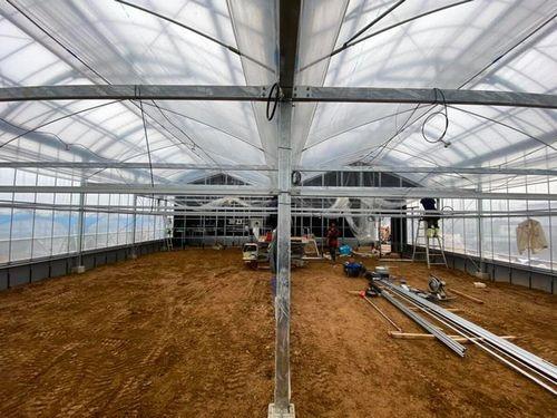 AGRIST、AIと自動収穫ロボットに最適化された自社農場・ビニールハウスを公開